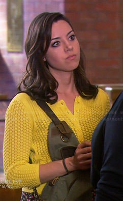 April's yellow textured cardigan on Parks and Recreation
