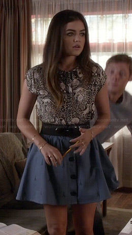 Aria's black and white cat print top and button front skirt on Pretty Little Liars