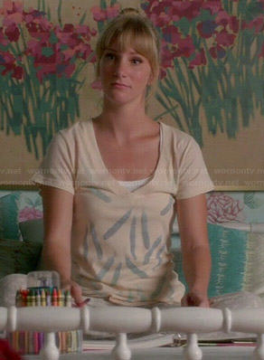 Brittany's feather print tee on Glee