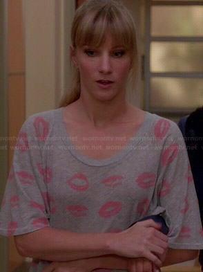 Brittany's grey lips print t-shirt on Glee
