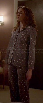 Caitlin's grey polka dot pajamas on The Flash