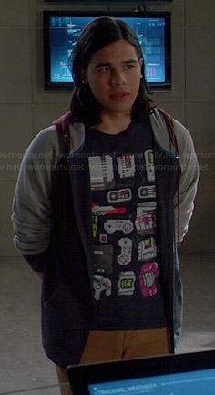 Cisco's game controllers t-shirt on The Flash