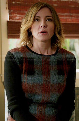 Ellie's fluffy plaid front sweater on Cougar Town