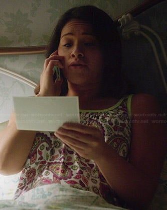 Jane's coral pink textured tee on Jane the Virgin