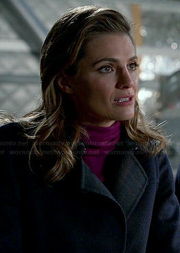 Kate's navy plaid coat on Castle