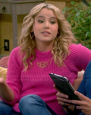 Lennox's pink ribbed sweater on Melissa and Joey