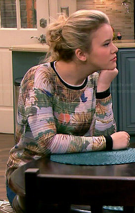 Lennox's printed sweater on Melissa and Joey
