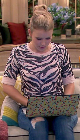 Lennox's sequin tiger stripe top on Melissa and Joey
