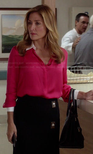 Maura's pink blouse with white collar and turnlock skirt on Rizzoli and Isles