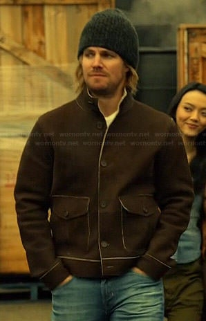Oliver's brown jacket with pockets on Arrow