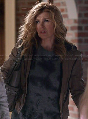 Rayna's grey ink dyed sweater on Nashville