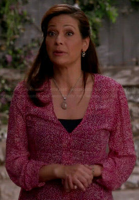 Regina's pink printed v-neck blouse on Switched at Birth