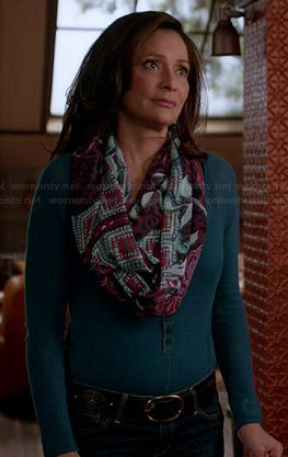 Regina's teal henley and printed scarf on Switched at Birth
