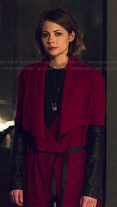 Thea's red draped jacket with leather sleeves on Arrow