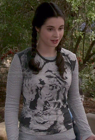 Bay's grey lace long sleeve layering top and abstract printed top on Switched at Birth