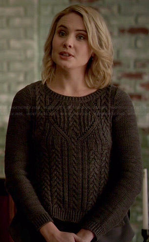 Camille's grey cable knit sweater on The Originals