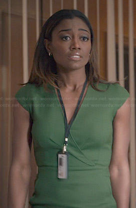 Daisy's green v-neck dress on Madam Secretary