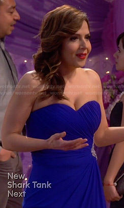Daniela's blue strapless gown on Cristela