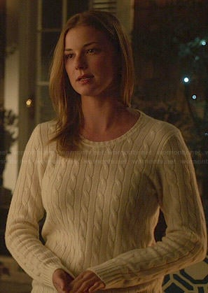 Emily's cream cable knit sweater on Revenge