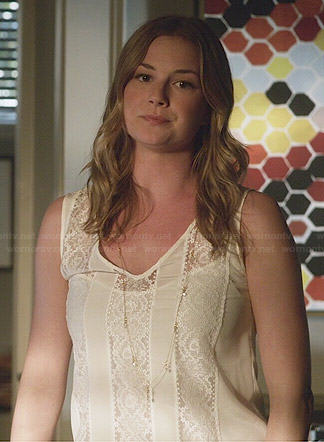 Emily's white v-neck lace inset top on Revenge