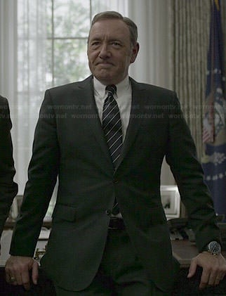 Francis's black suit and diagonal striped tie on House of Cards