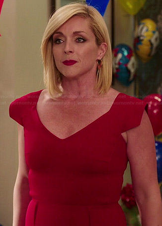 Jacqueline's red v-neck dress on Unbreakable Kimmy Schmidt