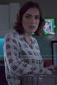 Jemma's black and white houndstooth print shirt on Agents of SHIELD