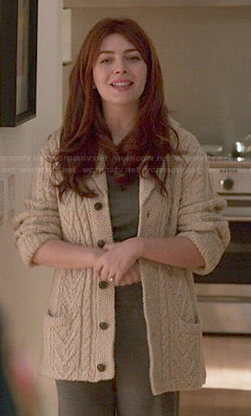 Louise's chunky cable knit cardigan on Revenge