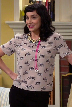 Mandy's motorbike print top on Last Man Standing