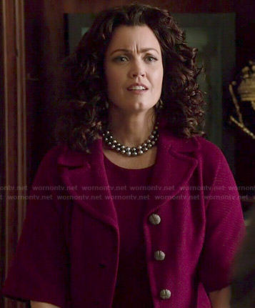 Mellie's pink boxy jacket on Scandal