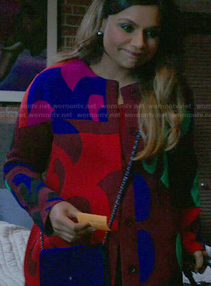Mindy's bold printed coat on The Mindy Project