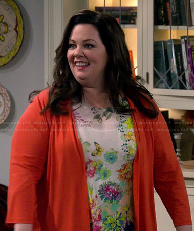 Molly's floral and butterfly print top on Mike and Molly