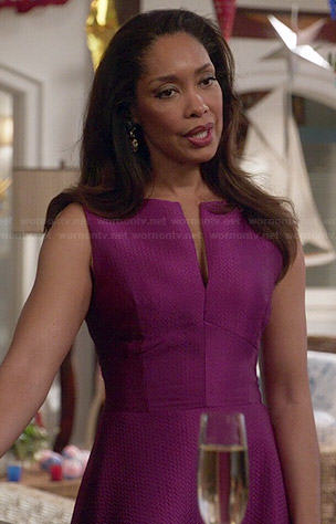 Natalie's purple split-neck dress on Revenge