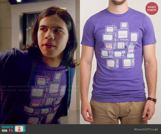 Threadless Interference Tee worn by Cisco Ramon (Carlos Valdes) on The Flash