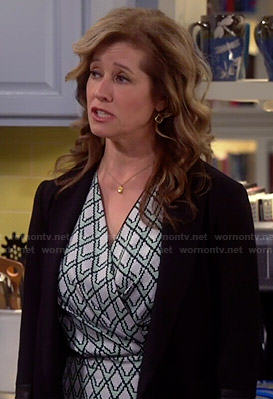 Vanessa's light green geometric printed wrap dress on Last Man Standing