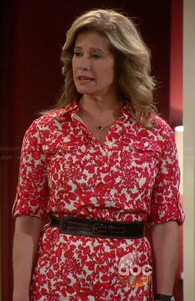 Vanessa's red and white floral print shirtdress on Last Man Standing