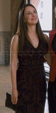 Victoria's black and brown baroque patterned v-neck dress on Revenge