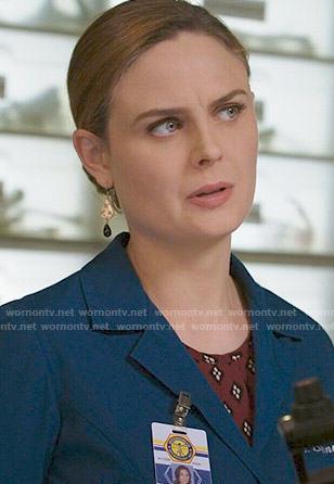 Brennan's gold and black drop earrings on Bones
