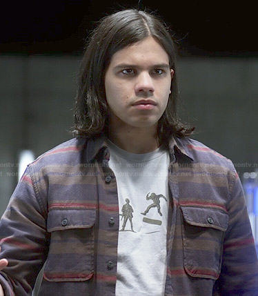 Cisco's army men t-shirt on The Flash