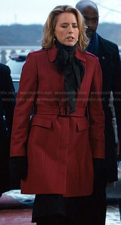 Elizabeth's red coat on Madam Secretary