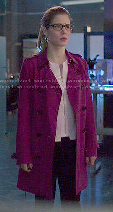 Felicity's magenta trench coat on Arrow