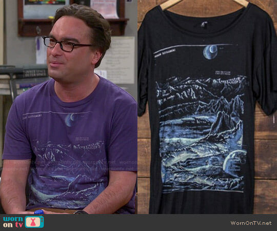 Heavy Rotation Moon Landing Tee worn by Leonard Hofstadter (Johnny Galecki) on The Big Bang Theory