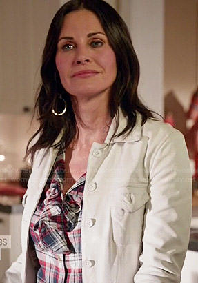 Jules's ruffled plaid top and white denim jacket on Cougar Town