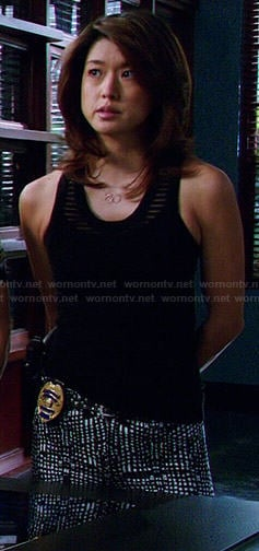 Kono's black and white printed jeans and striped tank top on Hawaii Five-O