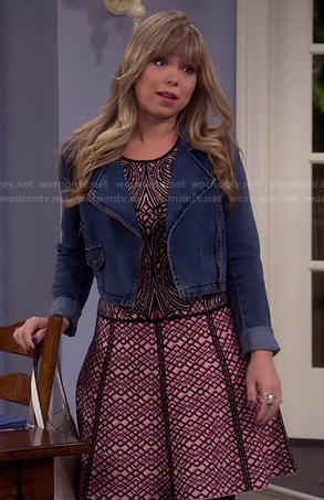 Kristin's pink geometric print dress and cropped denim jacket on Last Man Standing