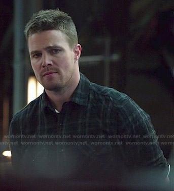 Oliver's black plaid shirt on Arrow