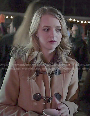 Taylor's fur-trimmed toggle coat on Finding Carter