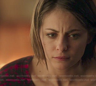 Thea's red checked sweater on Arrow