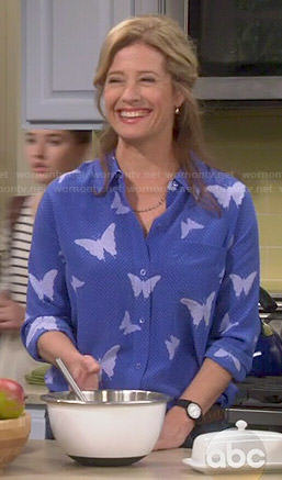 Vanessa's blue butterfly print shirt on Last Man Standing