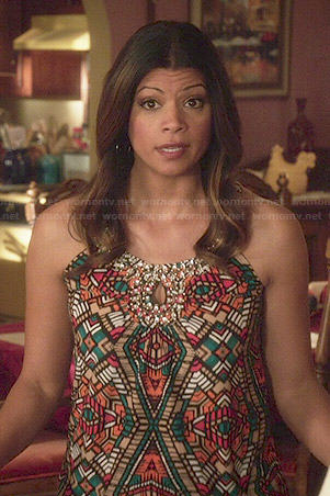 Xiomara's printed top with front keyhole on Jane the Virgin